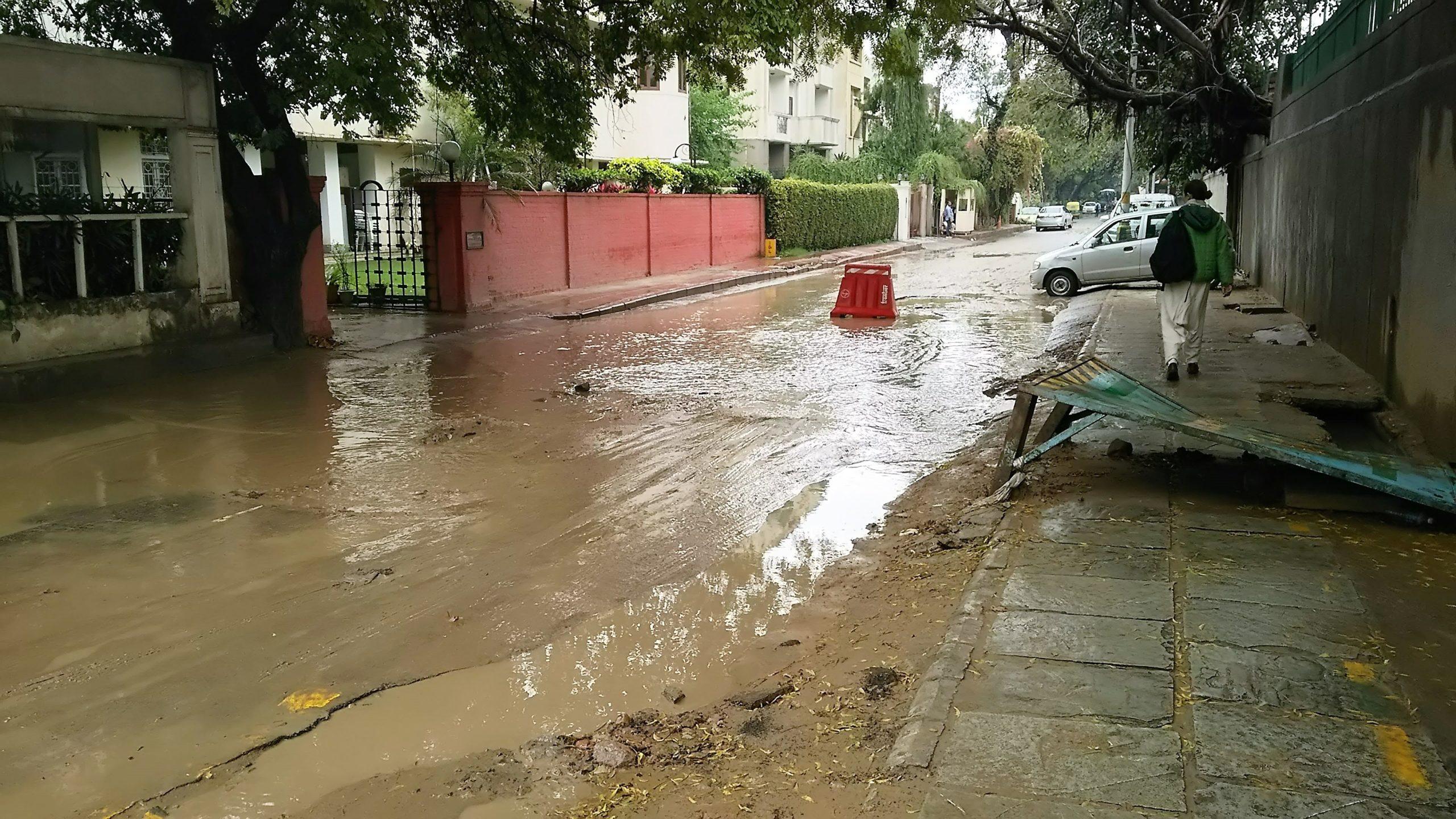 インドでシク教徒に会う①「大雨の中で立ち往生」