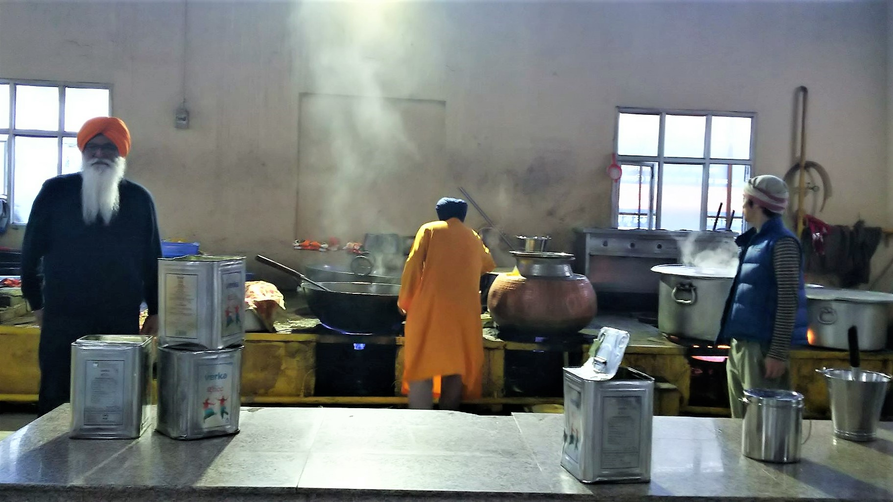 インドでシク教徒に会う②「寺院の中の無料食堂」
